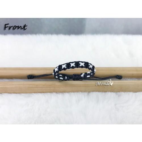 [Monde] 1/3 Lover Bracelets (Cross) Black-x-White